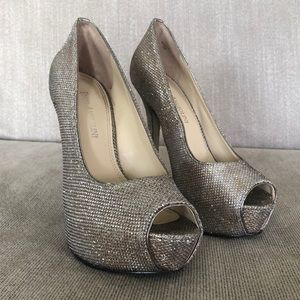 WORN ONCE : Enzo Angiolini Metallic Open Toe Pump